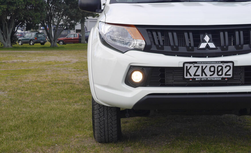 2017 Mitsubishi Triton GLX 4WD 2.4L Diesel