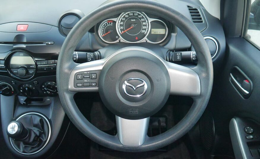 2011 Mazda 2 GAE812