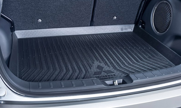 Eclipse Cross cargo liner