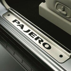 JCMZ527517EX Pajero Polished Scuff Plate Set